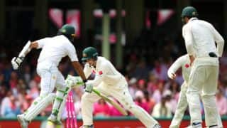 Younis Khan approaches maiden ton in Australia; Pakistan trail by 361 at tea on Day 3, 3rd Test