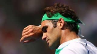 Roger Federer beats Malek Jaziri 6-3, 7-5