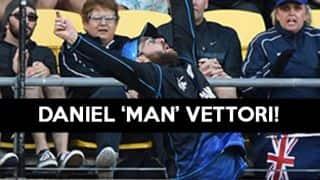 Video: Daniel Vettori takes an amazing catch to remove Marlon Samuels