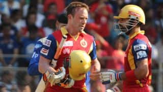 IPL 2015: AB de Villiers and Virat Kohli steer RCB to massive 235 against MI