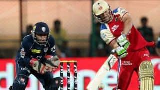 AB de Villiers tears into Dale Steyn in IPL 2012