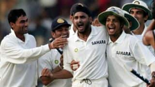 Kartik narrates how Harbhajan trolled team India