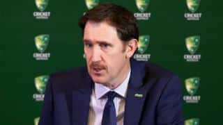 James Sutherland warns Australian players to accept new CA terms or to forget payments