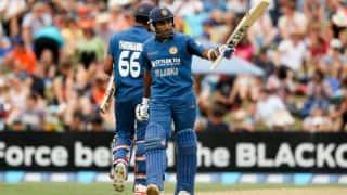 Centurion Mahela Jayawardene helps Sri Lanka set a target of 219 against New Zealand