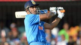 MS Dhoni disappoints with 24-ball 9 for Jharkhand in Vijay Hazare Trophy 2015-16 opener
