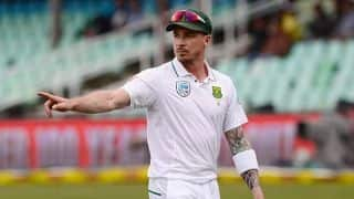 Dale Steyn suffers groin injury during County Championship