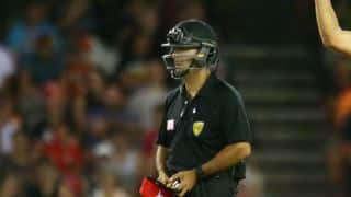 BBL witnesses first instance of umpire wearing helmet in competitive cricket