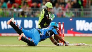 ST 160/2 in 17.4 overs│Live Cricket Score, Big Bash League 2015-16, Sydney Thunder vs Adelaide Strikers, 1st semi-final at Adelaide: Usman Khawaja ton guides Thunder to 8-wicket win!