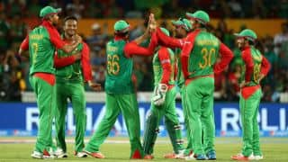 Bangladesh restrict Pakistan to 141 in the one-off T20 International at Dhaka