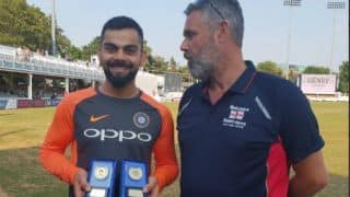 Virat Kohli receives 'International Player of the Year 2017-18′ award from the Barmy Army