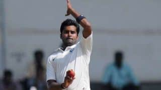 Vinay Kumar completes 300 wickets in First-Class cricket