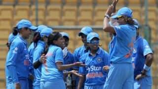 विराट कोहली की टीम ने भारतीय महिला टीम की हौसलाअफजाई की