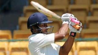 जमैका टेस्ट: मयंक अर्धशतक के करीब, भारत का लंच तक स्कोर 72/2