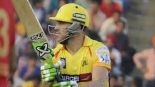 Faf du Plessis dismissed for 1 by Vinay Kumar against Mumbai Indians in IPL 2015 Final