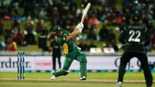 De Villiers, De Kock propel SA to 272 for 8 against NZ in 3rd ODI
