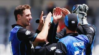 New Zealand bowlers restrict Pakistan to score of 290 after rampant start