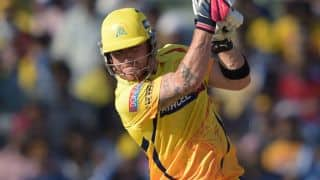 Brendon McCullum dismissed early in RCB-CSK clash in IPL 2015