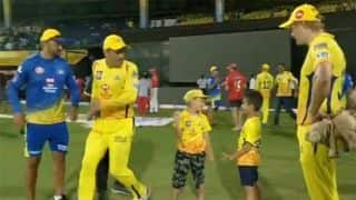 WATCH: Dhoni races with Junior Watson and Junior Tahir