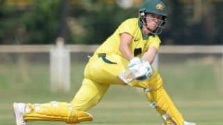 Women's Big Bash League: Beth Mooney scores 102 as Brisbane Heat beat Sydney Thunder by 3 wickets