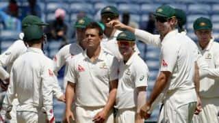 ऑस्ट्रेलियाई क्रिकेट टीम की सुरक्षा में भारी चूक, बस पर फेंका पत्थर