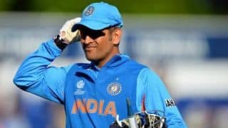 Video: When MS Dhoni forgot that he is not captain anymore