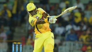Lasith Malinga dismisses Dwayne Smith in IPL 2015 Qualifier 1 between CSK and MI