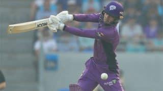 BBL: Hobart Hurricanes cruise to nine-wicket win over Brisbane Heat