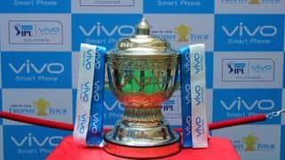 IPL 2016: Vivo Trophy Tour off to successful start at Pune