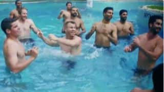 IPL 2016, VIDEO: Shikhar Dhawan, David Warner play volleyball in pool with SRH teammates