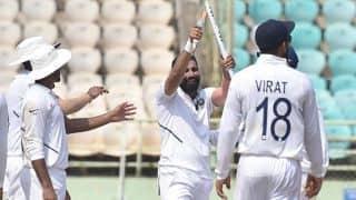 'रिवर्स स्विंग का इस्तेमाल कर और खतरनाक गेंदबाज बनें मोहम्मद शमी'
