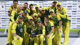 Australia edge out Pakistan by one run