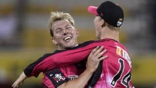 Jordan Silk's spectacular catch in Big Bash becomes social media rage