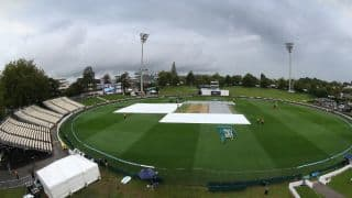 Rain comes to rescue South Africa as play gets abandoned after tea on Day 1, 3rd Test vs New Zealand