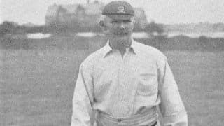 Lobsters in Cricket, Part 16: Walter Humphreys — the great lob bowler who bloomed late