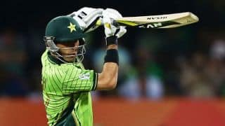 Misbah-ul-Haq and Shahid Afridi look to calm things down for Pakistan