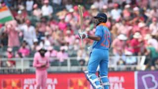 100वें वनडे में शतक लगाने वाले पहले भारतीय बल्लेबाज बने शिखर धवन