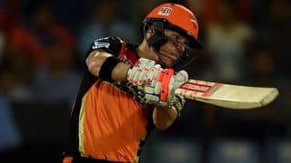 David Warner completes 800 runs in IPL 2016