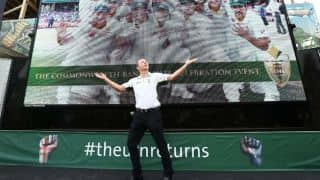 Chris Rogers dances at Australia's Ashes 2013-14 public celebrations