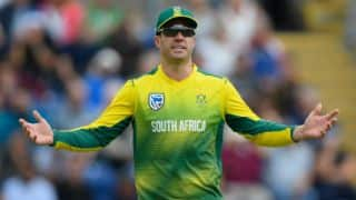 'AB de Villiers should quit captaincy to prolong career,' says Barry Richards