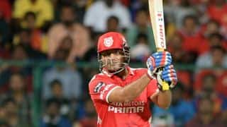 Virender Sehwag powers start even as Kings XI Punjab lose Mandeep Singh in IPL 2014 match against Kolkata Knight Riders