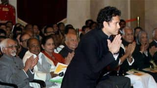 Farooq Abdullah congratulates Sachin Tendulkar on receiving the Bharat Ratna