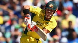 Australia steer on despite losing early wicket against New Zealand in ICC Cricket World Cup 2015 final