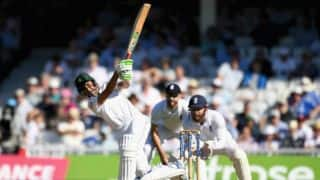 Day 3 Lunch report: Younis Khan steals show for Pakistan