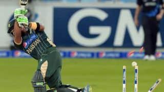Pakistan set New Zealand 253 to win 2nd ODI at Sharjah