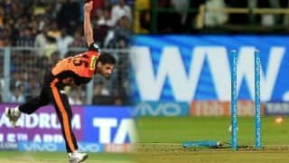 Bhuvneshwar Kumar bowls a perfect last over again