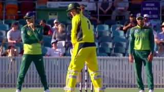WATCH: George Bailey's bizarre new batting stance has Faf du Plessis chuckling