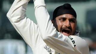 Irani Trophy 2013-14: Karnataka lose Ganesh Satish for 84 post lunch against Rest of India on Day 2