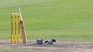 Mumbai need 7 wickets to beat Gujarat