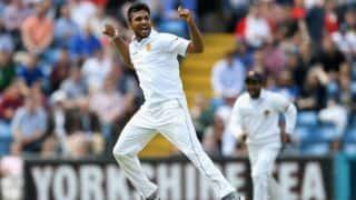 दसुन शनाका ने गेंद से की छेड़छाड़, मैच रेफरी ने की कार्रवाई