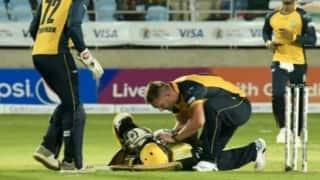 CPL: हेलमेट पर गेंद लगने के बाद चोटिल हुए आंद्रे रसेल, स्ट्रैचर पर मैदान से बाहर गए